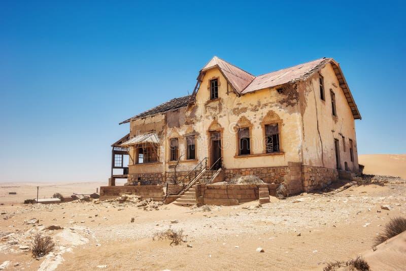 Kolmanskop abandonou Diamond Mine em Ja recolhido Namíbia do sul foto de stock royalty free