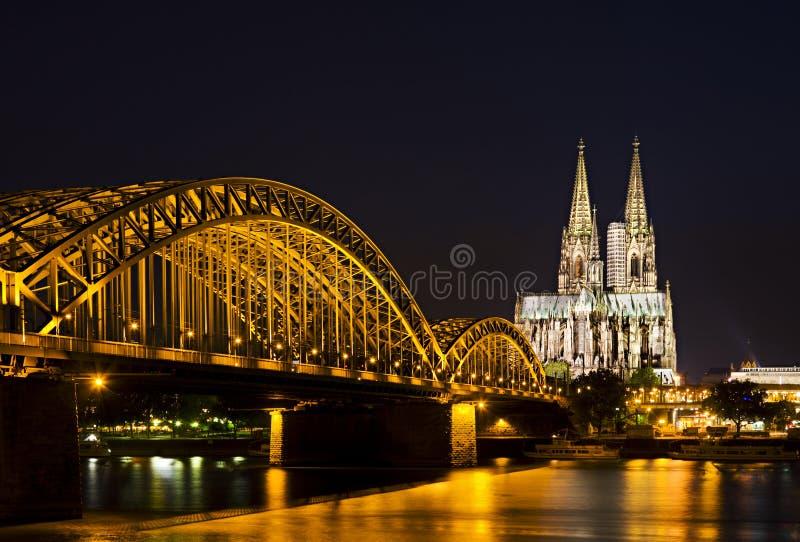 Kolońska katedra i most, Niemcy zdjęcie royalty free