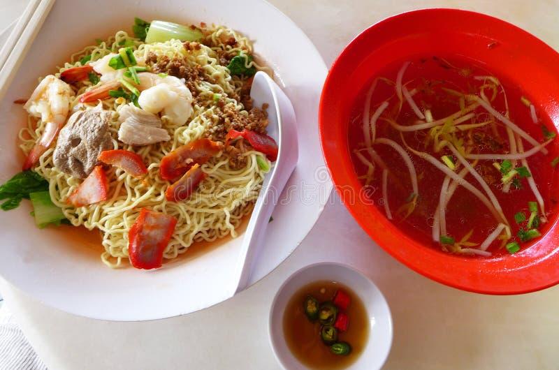 Kolo Mee - het populaire voedsel van de sarawakstraat stock foto's