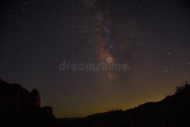 Kolob-Schlucht Zion National Park 12 des nächtlichen Himmels stockbild