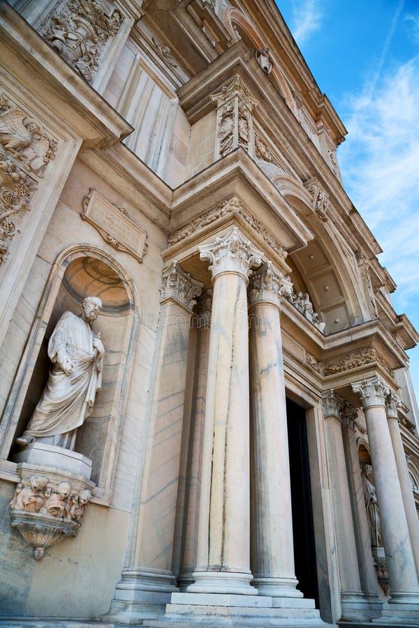 kolom oud in Italië Europa en royalty-vrije stock afbeeldingen