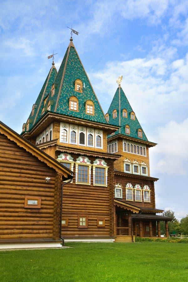 kolomenskoyemoscow slott trärussia royaltyfri foto