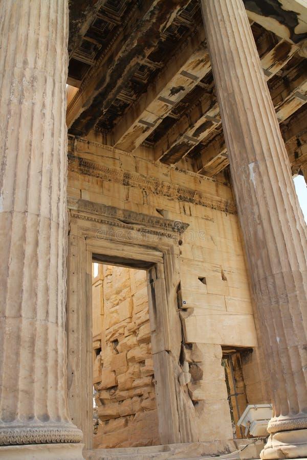 Kolommen en plafond van Erechtheum-Tempel, Akropolis, Athene royalty-vrije stock afbeeldingen