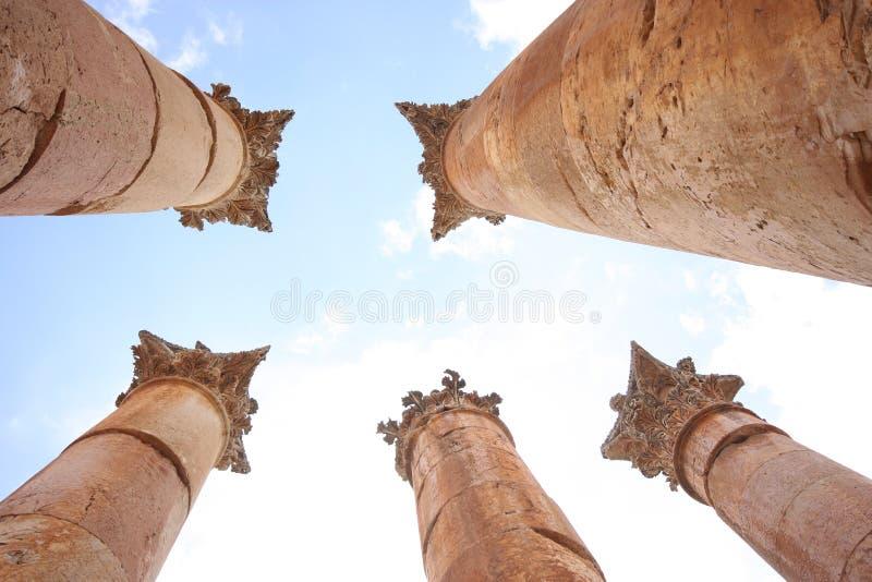 Kolommen in Jerash stock afbeelding