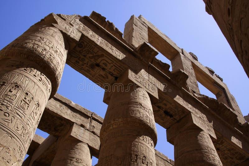 Kolommen in Karnak Egypte stock foto's