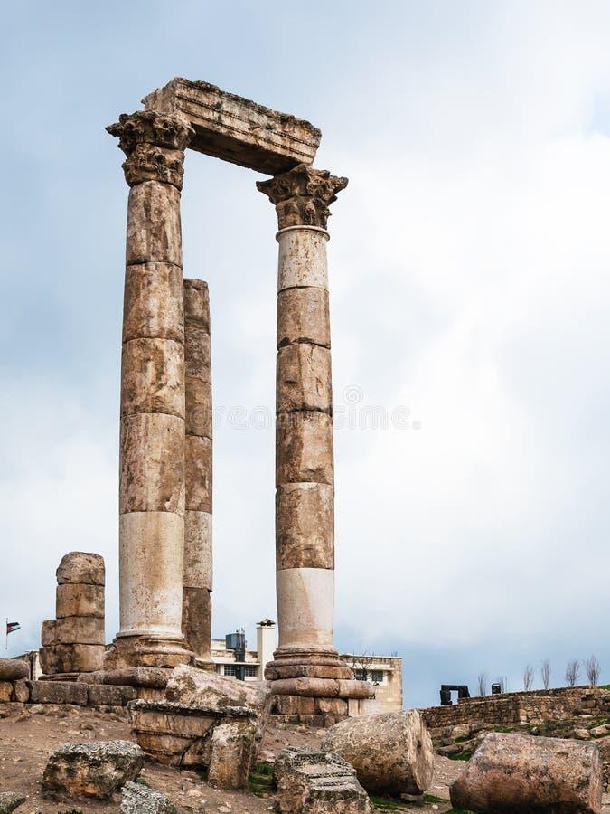 Kolommen van Tempel van Hercules bij Amman Citadel royalty-vrije stock foto
