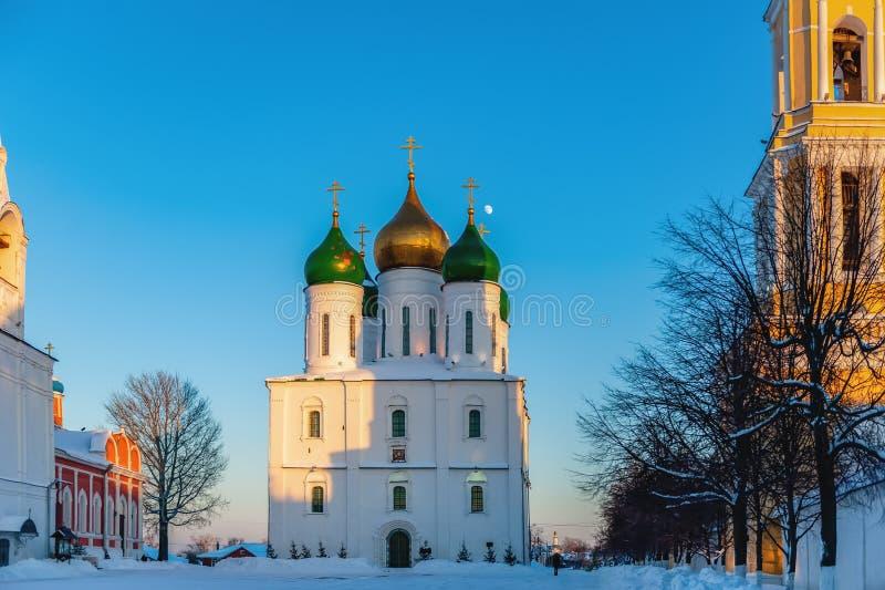 Kolomna, Russland Orthodoxe Kirchen des Kathedralen-Quadrats stockbild