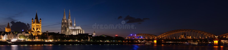 Kolonia noc panorama, Niemcy obraz royalty free
