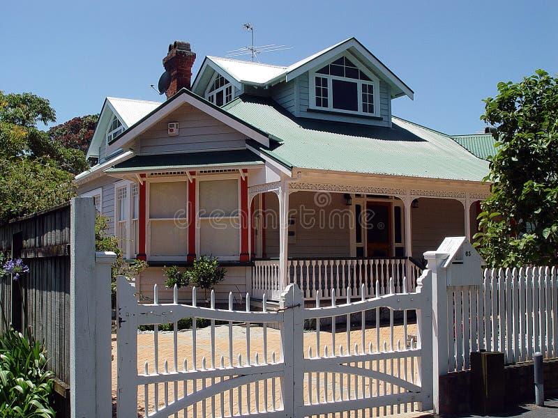 Koloniaal huis 1 royalty-vrije stock afbeelding
