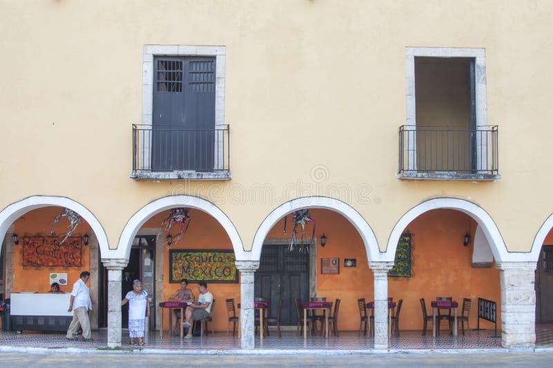 Koloniaal stijl Mexicaans restaurant royalty-vrije stock foto