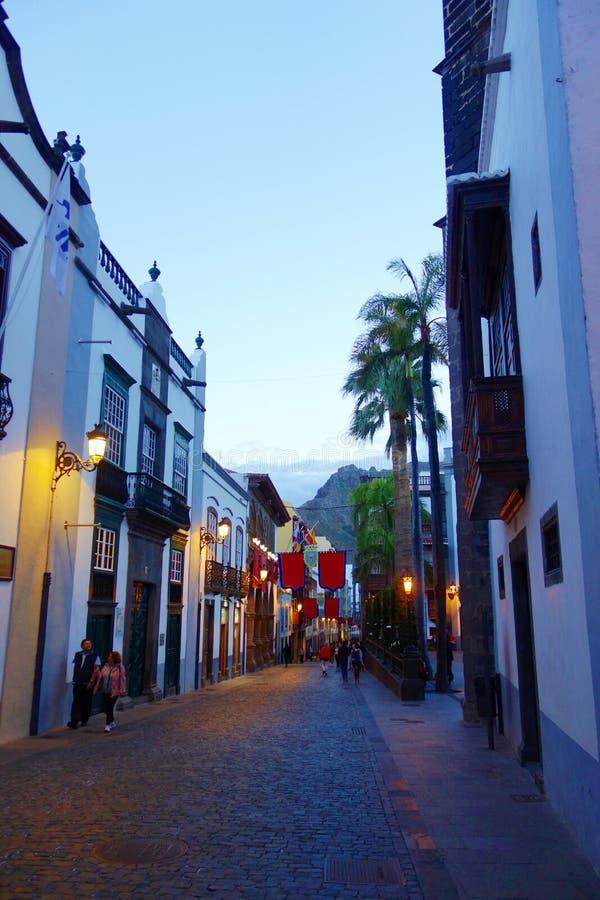 Kolonial färgrik stadsmitt av Santa Cruz de la Palma, kanariefågelöar, Spanien royaltyfria bilder
