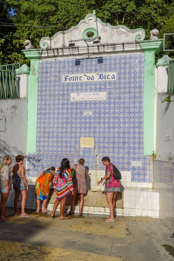 Kolonial springbrunn på den Itaparica ön på Brasilien fotografering för bildbyråer