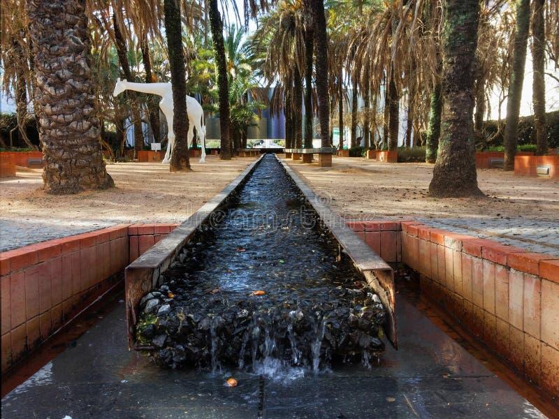 Kolonial stilträdgård i Parque das Nações arkivfoton