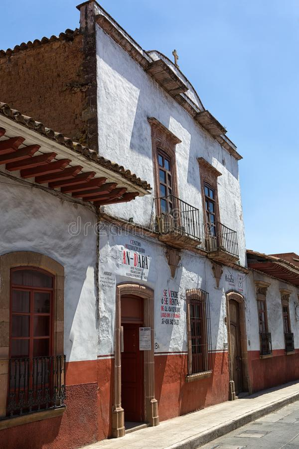 Koloniale architecturale details in Patzcuaro Mexico royalty-vrije stock foto's