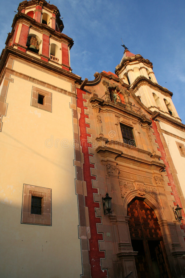 Kolonialkirche in Mexiko 2 lizenzfreies stockbild