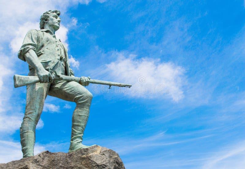 Kolonialminutemanstatue in Massachusetts stockfoto