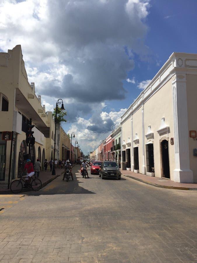 Kolonialstadt im Land des Guacamolen stockbilder