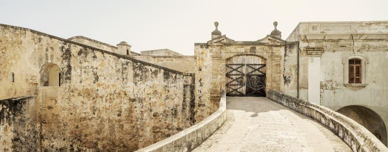 Kolonialt fort i gamla San Juan, Puerto Rico royaltyfri foto