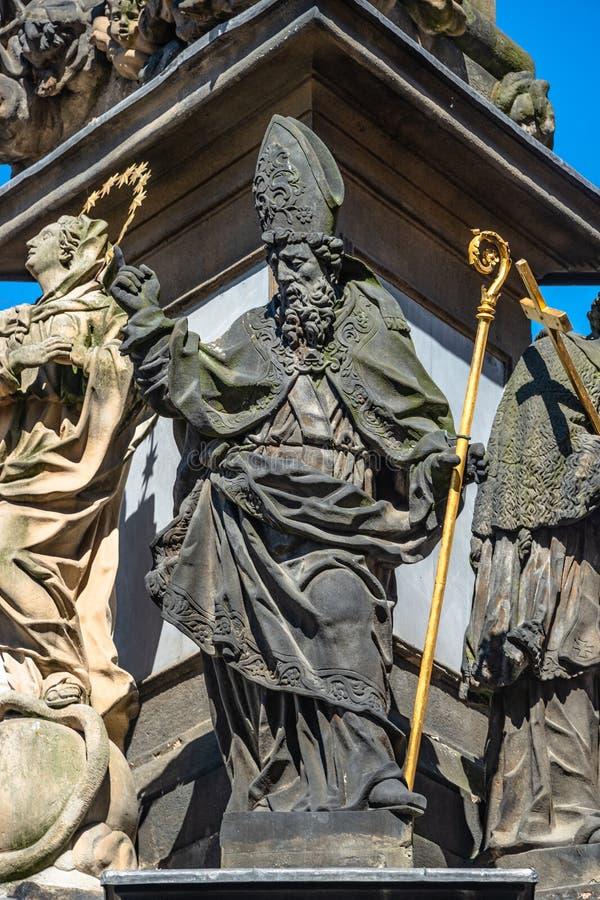 Kolonn av den heliga Treenighet, diagram av helgon, Prague, tjecktekniker arkivbild