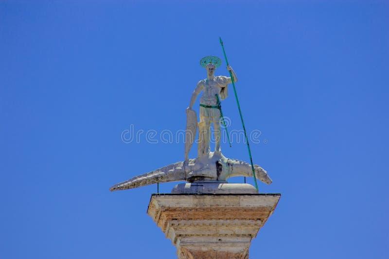 Kolonn av San Teodoro i St Mark Square Piazza San Marco, Venedig, Italien fotografering för bildbyråer