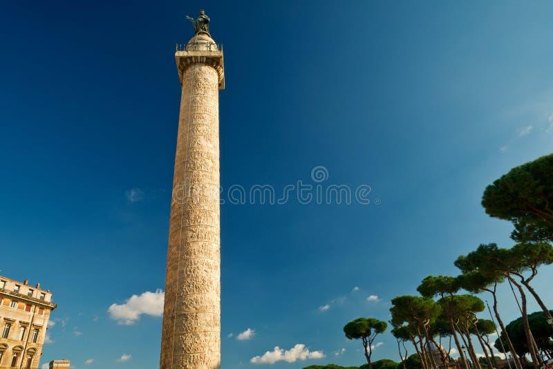 Kolonn av Trajan i Rome arkivfoto