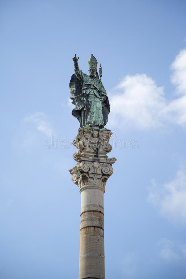 Kolonn för St Oronzo i Lecce arkivbild