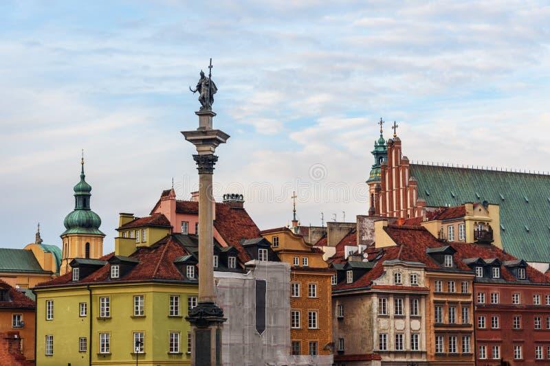 Kolonn f?r Sigismund ` s i gammal stad av Warszawa poland royaltyfri fotografi