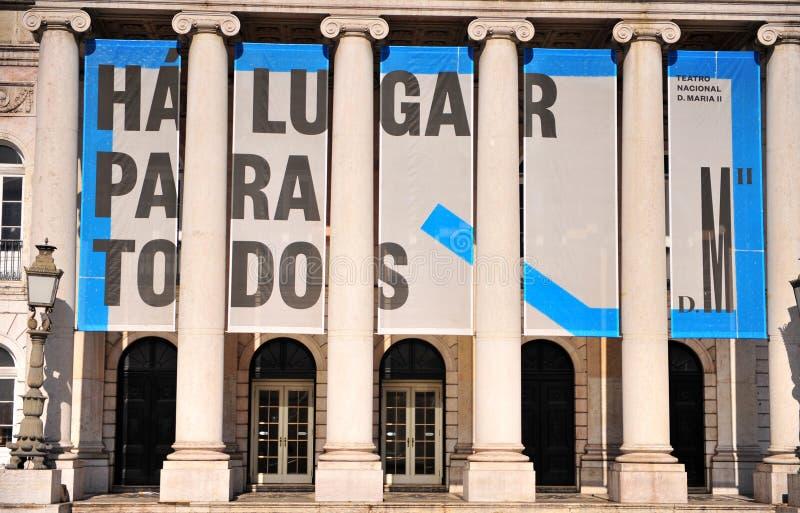 Kolonner av den nationella teatern av Lissabon, Portugal royaltyfri bild