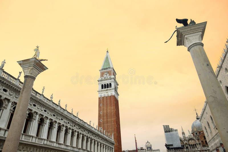Kolonner av San Marco och San Todaro fotografering för bildbyråer