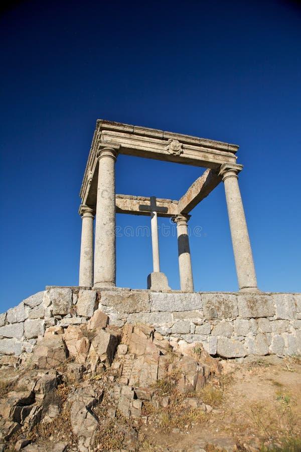 kolonner korsar fyra arkivbilder
