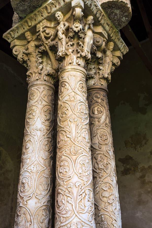 Kolonner på kloster av den Monreale abbotskloster, Palermo royaltyfri fotografi