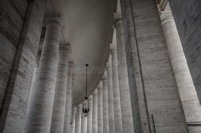 Kolonner på Vaticanen arkivfoto