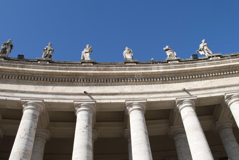 kolonner vatican arkivbild