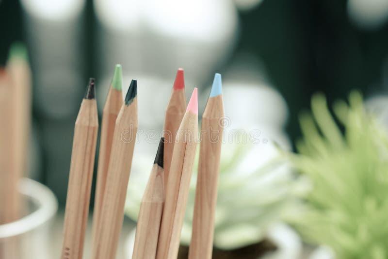 Kolorów ołówków rocznika brzmienie zdjęcia royalty free