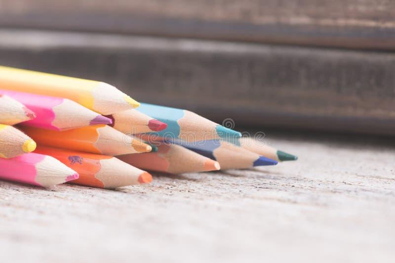 Kolorów ołówków stary retro rocznik zdjęcie stock