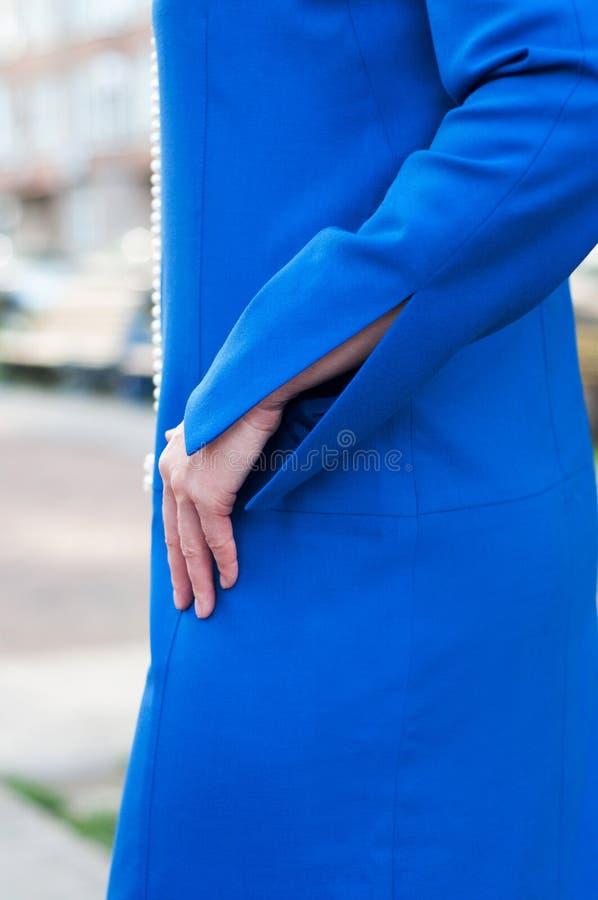 Kolor elektryczna suknia dla kobiety fotografia royalty free