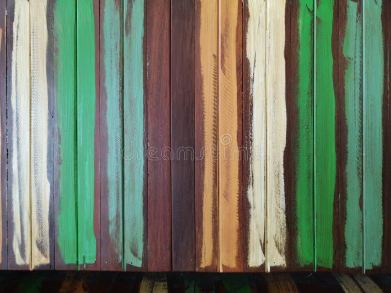 Kolor farba na drewnianej materiał zieleni błękitnego brązu tła białej żółtej tapecie obraz royalty free
