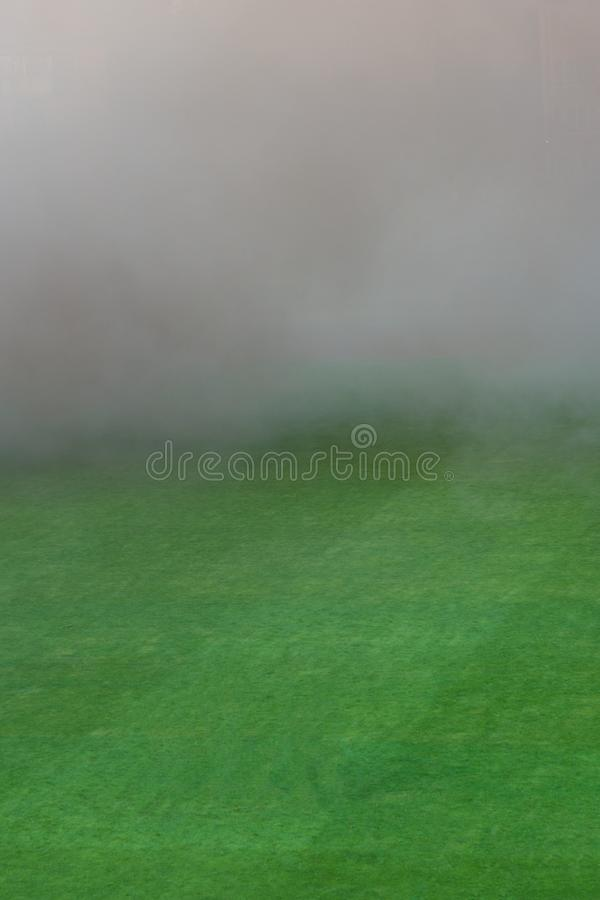Kolor gęsty dym na boisku piłkarskim zdjęcie royalty free