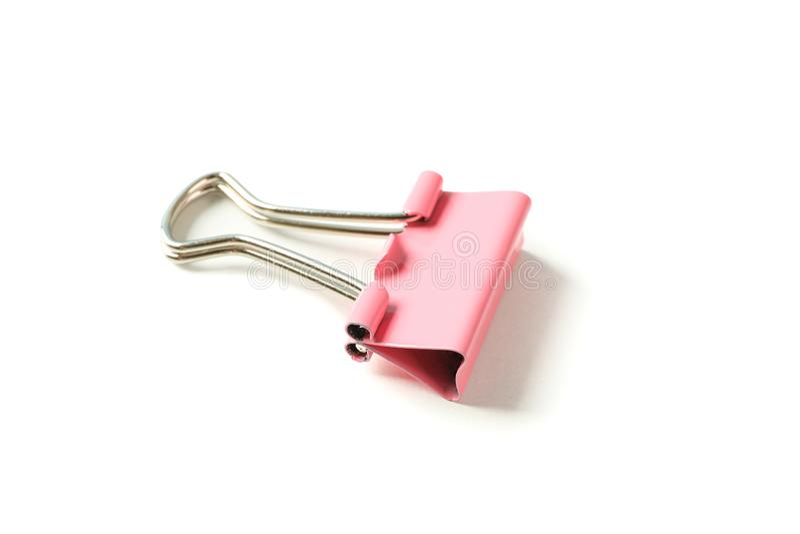 Kolor papierowa klamerka odizolowywaj?ca fotografia stock