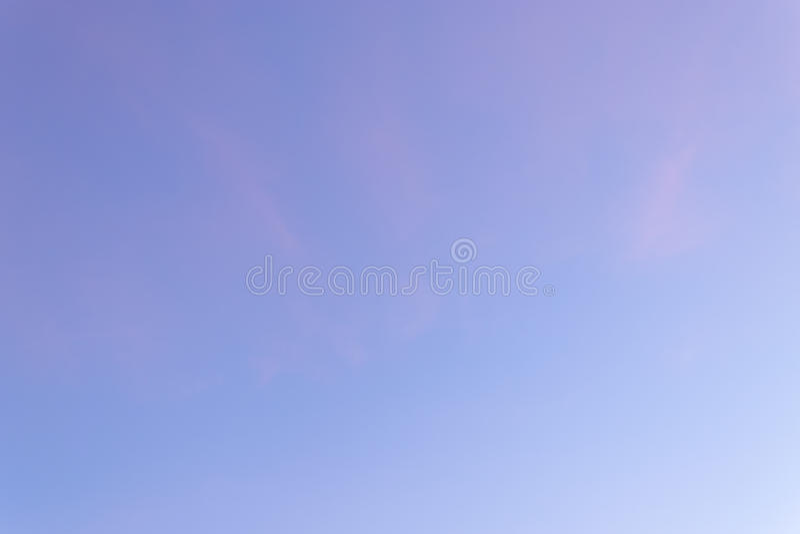 Kolor przez chmur w wieczór niebie zdjęcia stock