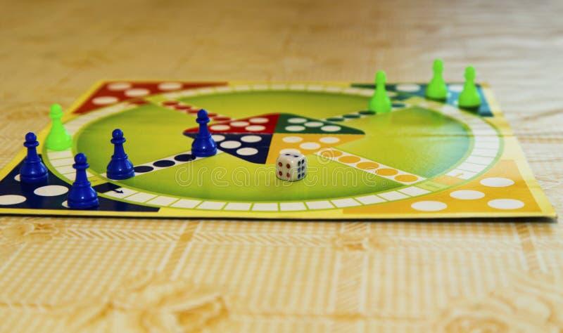 Kolorowa deska dla bawić się tradycyjną dziecka ` s grę zdjęcia royalty free