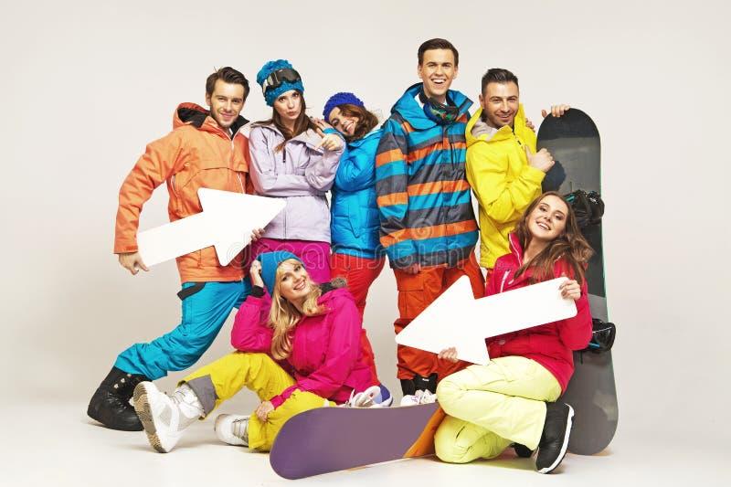 Kolorowa grupa przyjaciele w galanteryjnych pozach fotografia stock