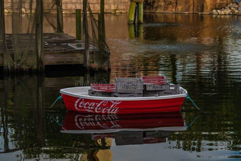 Kolorowa koka-kola łódź przy Seaworld 2 fotografia royalty free