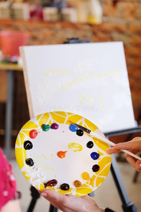 Kolorowa paleta nafciane farby obraz stock