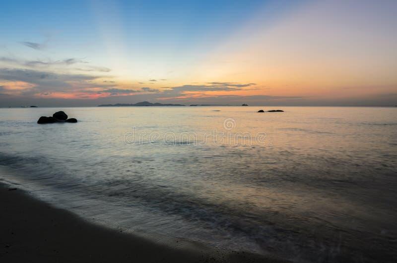 Kolorowa plażowa zmierzch linia horyzontu obraz stock