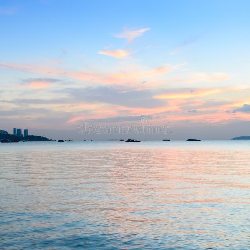 Kolorowa plażowa zmierzch linia horyzontu fotografia royalty free