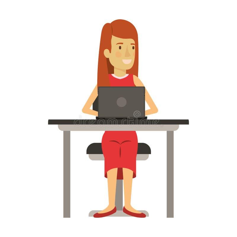 Kolorowa sylwetka kobieta z długie włosy i prosto i siedzący w krześle w biurku z laptopem royalty ilustracja