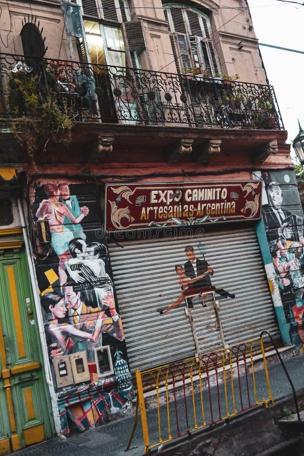 Kolorowa ulica w Boca okręgu Buenos Aires obraz stock