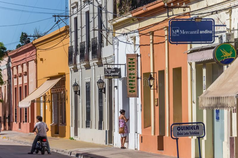 Kolorowa ulica w centrum San Antonio De Areco zdjęcia royalty free