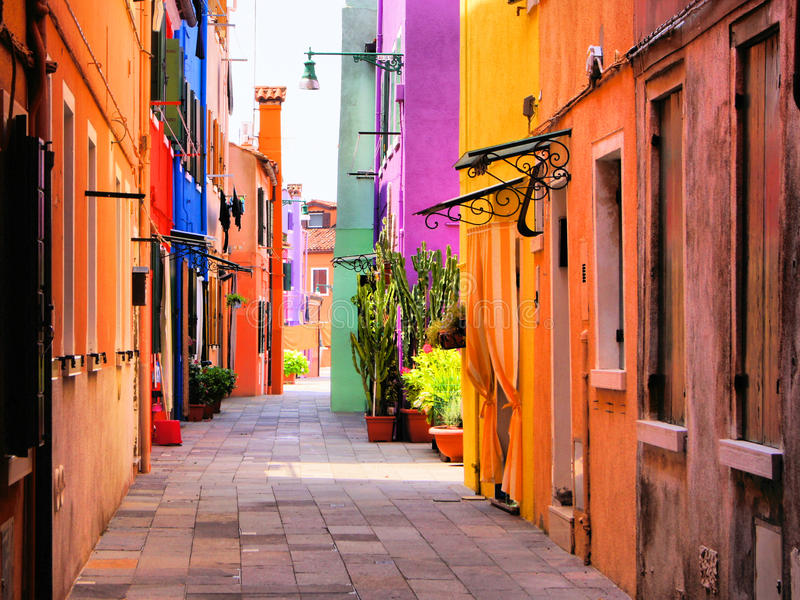 Kolorowa Włoska ulica zdjęcia stock